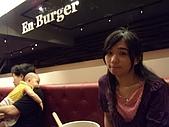 漁民隨便吃&en burger漢堡好大!2009.7.25-26:DSCN3165.JPG