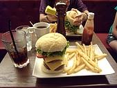 漁民隨便吃&en burger漢堡好大!2009.7.25-26:DSCN3169.JPG