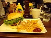 漁民隨便吃&en burger漢堡好大!2009.7.25-26:DSCN3171.JPG