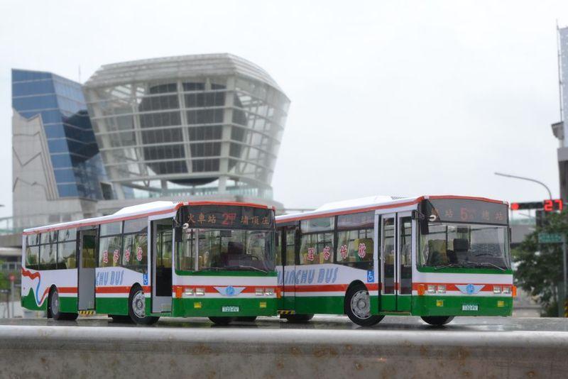 新竹客運的低底盤公車:DSC_0156.JPG
