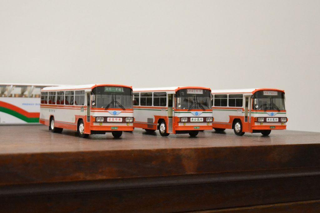 新竹客運的紙公車模型:DSC_5945.JPG