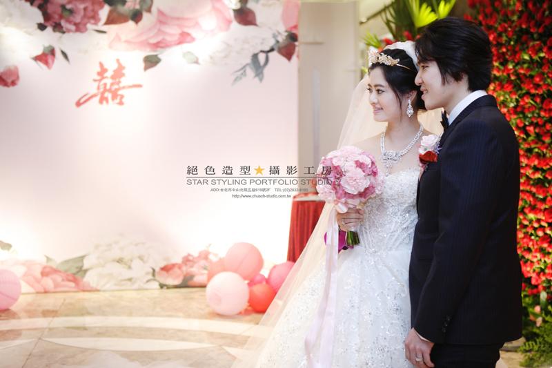 10月份的攝影棚喜事連連 美麗優雅的大眼新娘 Tina:VT2K6532.JPG