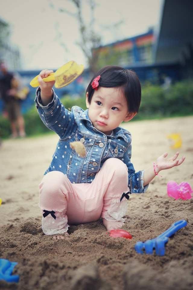 絕色攝影Taipei photo studio 親子攝影/外拍全家福:18051514_229623974185702_2054881473_n.jpg