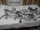 中國畫家贈予的八駿馬墨畫,力道真是美啊:IMG_20140804_224605.jpg