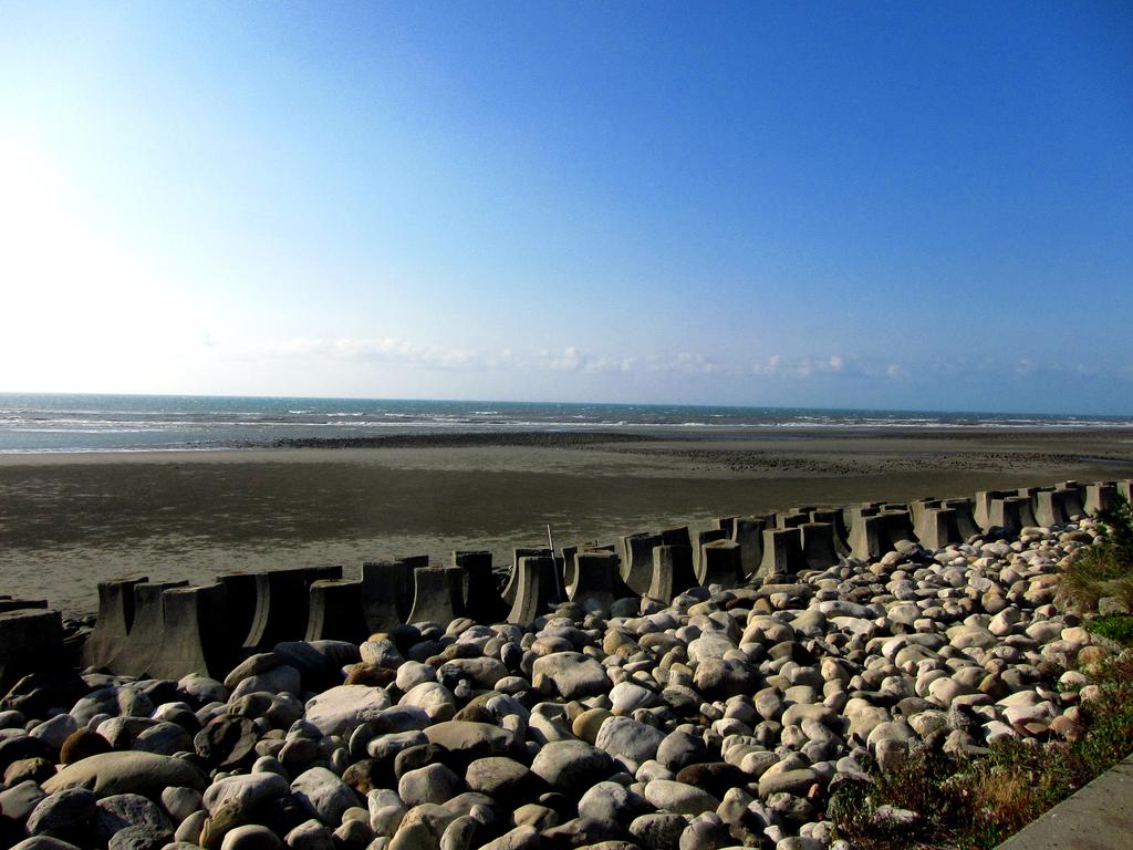 20150926-0928從海線玩到台中,被颱風吹回來三日遊:可以步行到『海邊』