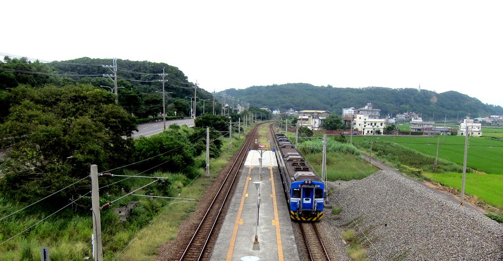 20150926-0928從海線玩到台中,被颱風吹回來三日遊:嘟嘟!火車進站囉~