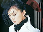 "島谷瞳‧風雨過後‧太陽のFlare~~(單曲專輯DVD):2005""Crossover""內頁照2"