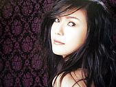 "島谷瞳‧風雨過後‧太陽のFlare~~(單曲專輯DVD):2005""Crossover""內頁照3"