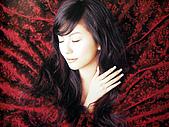 "島谷瞳‧風雨過後‧太陽のFlare~~(單曲專輯DVD):2005""Crossover""內頁照4"