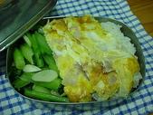 便當:洋蔥蛋+水炒油菜便當
