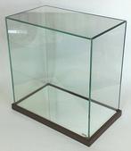 玻璃展示盒:中型玻璃展示盒