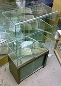 玻璃展示盒:玻璃展示櫃