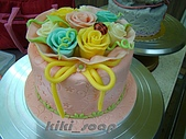 西點烘焙:玫瑰花造型蛋糕2.jpg