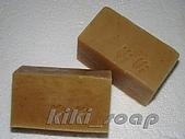【kiki's皂咖賣場】:檀香深層潔淨皂