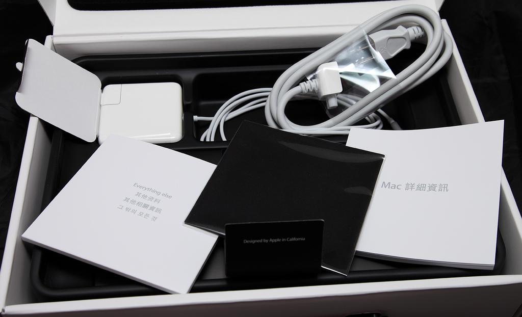 Apple MacBook Pro 13inch 2.7G Early 2011:3.JPG