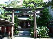 20080715-0724 Seventh Ave.:路邊看到的神社