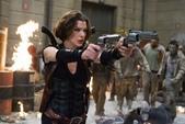 縮寫‧電影‧體會:20130813【惡靈古堡V-天譴日‧Resident Evil Retribution】 (1).jpg