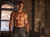 縮寫‧電影‧體會:20140720【科學怪人:屠魔大戰‧I, Frankenstein】 (2).jpg
