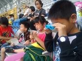 20131023【301小蘿蔔】第一次校外教學-102全國運動會-場館參觀與比賽欣賞:聰明的孩子帶了望遠鏡^^