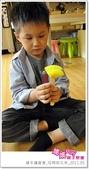 媽媽play_親子繪本讀書會_杯模紙花束_20110504:媽媽play_週三讀書_母親節花束_025.JPG