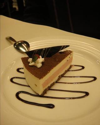 吃吃 喝喝 到處吃:草莓戀上巧克力