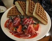 吃吃 喝喝 到處吃:草莓鬆餅