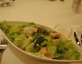 吃吃 喝喝 到處吃:超大盤的蘿美生菜沙拉
