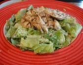 吃吃 喝喝 到處吃:雞肉凱蕯沙拉