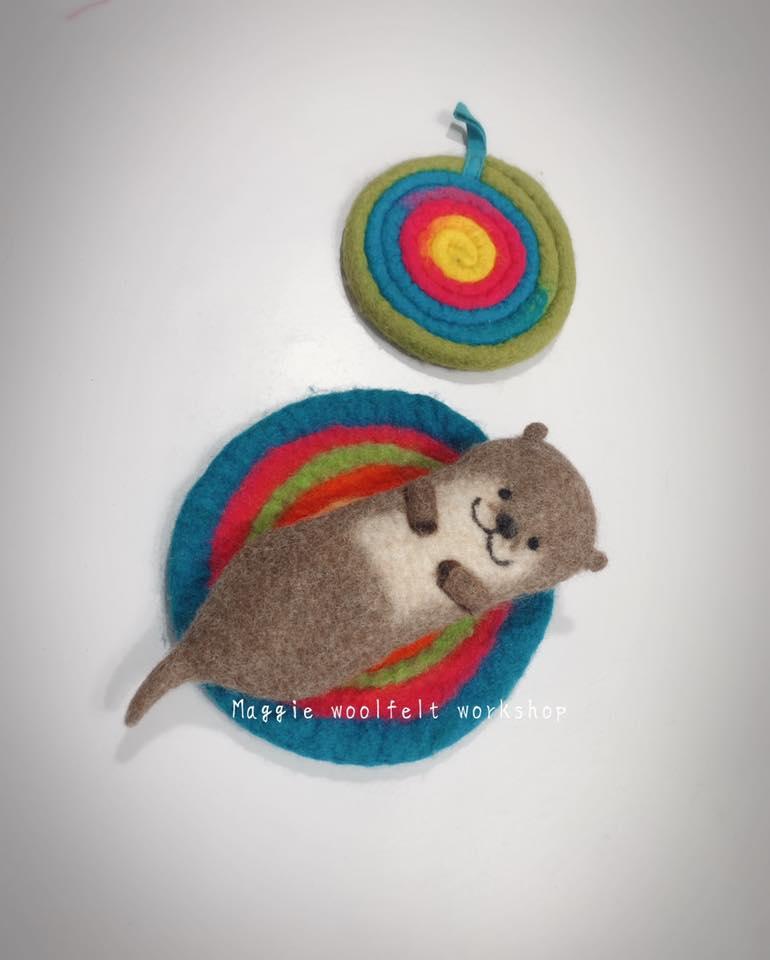 羊毛氈作品:水獺餐具袋.jpg