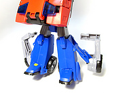 TF ANIMATED OPTIMUS PRIME(V):18.jpg