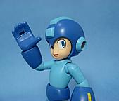 KOTOBUKIYA 1/10 FULL ACTION PLASTIC KIT ロックマン:19.jpg