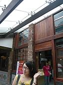 剝皮寮老街~艋舺2009/10/13:進去要量體溫呢!不過我是健康寶寶,不用怕