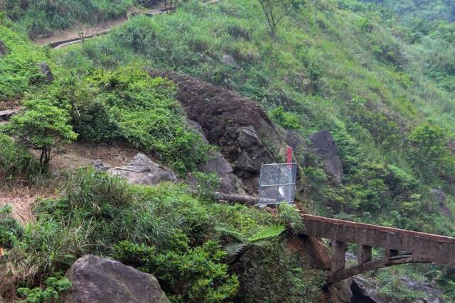 1050429內九份溪水圳橋西側.公所已架攔網 - 金瓜石礦業圳道及圳橋