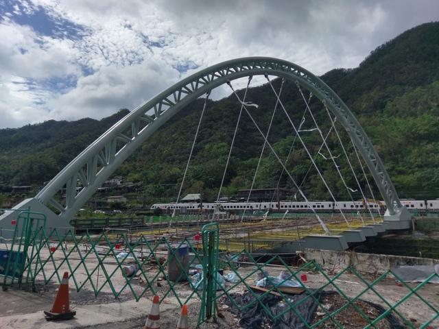 1060125猴硐介壽橋通車1051016 - 瑞芳橋樑