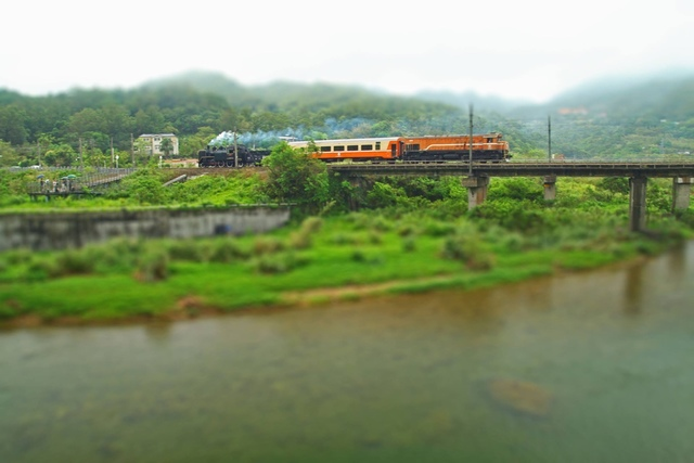 1040827蒸汽火車CK124抵員山橋一帶(欣瑋拍) - 瑞芳鐵道風情