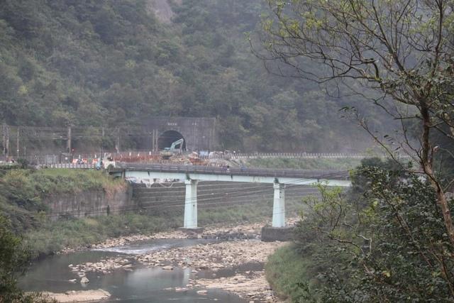 1060125猴硐介壽橋通車1050306 - 瑞芳橋樑