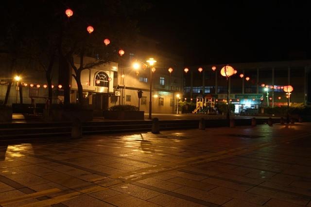 1030730林姓宗親會佈置紅燈籠 - 瑞芳鎮民廣場
