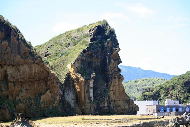 1000820酋長岩(海上方向拍).jpg - 深澳漁村風情