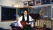 015施夢濤樂器百貨公司音樂學苑1991長亭文化事業1988成立:施夢濤樂器001百貨公司音樂學苑1991吉他家施夢濤.jpg