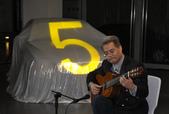 023吉他演奏家施夢濤汎德公司BMW新車發表會演奏:吉他演奏家施夢濤老師01bmw汎德股份有限公司吳漢明副總.JPG