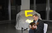 023吉他演奏家施夢濤汎德公司BMW新車發表會演奏:吉他演奏家施夢濤老師02bmw汎德股份有限公司吳漢明副總.JPG
