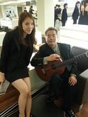 023吉他演奏家施夢濤汎德公司BMW新車發表會演奏:吉他演奏家施夢濤老師17bmw汎德股份有限公司吳漢明副總.jpg