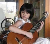 021 小吉他公主:吉他演奏家02吉他公主.jpg