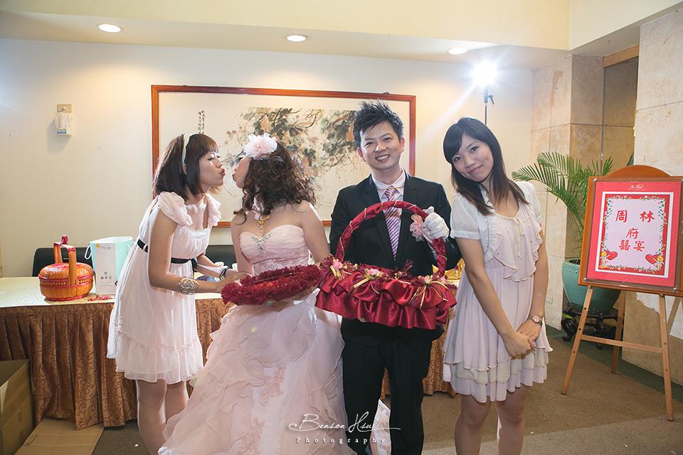 20121117 佳行+億珊 結婚喜宴:IMG_2305.jpg