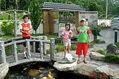 050820-銅門龍澗行:民宿餵魚區