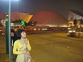 虹孔~俺來瞭!!:這顆圓圓的是天文館嗎? 忘了~
