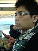 虹孔~俺來瞭!!:這個人不知道腦袋在想什麼~