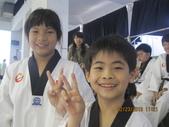 我子 跆拳道比賽,第一名ㄟ&..................可能要加六喔(哈哈哈) :IMG_2398.JPG