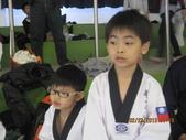 我子 跆拳道比賽,第一名ㄟ&..................可能要加六喔(哈哈哈) :IMG_2395.JPG