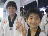 我子 跆拳道比賽,第一名ㄟ&..................可能要加六喔(哈哈哈) :IMG_2399.JPG